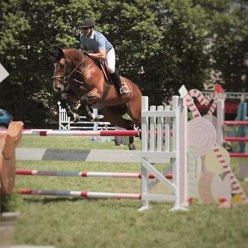 foto Dorinthe Mansolein springen