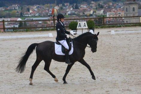 Foto Larisse zet goede prestatie neer in Remiremont